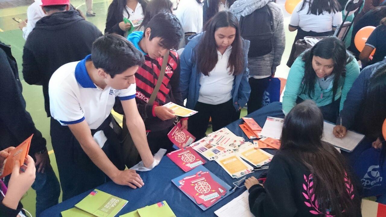 """Photo of Más de 300 personas participaron en la """"ExpoJoven"""" del Tamarugal"""