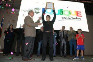 Photo of Edson Puch no viajó a Santiago y celebró el título con su gente de Iquique