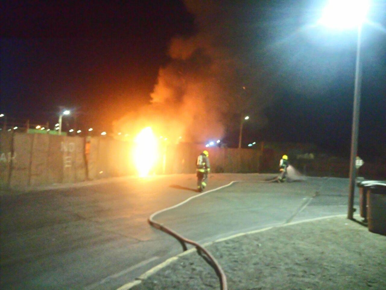 Photo of Incendio amenazó con extenderse a estación de servicio