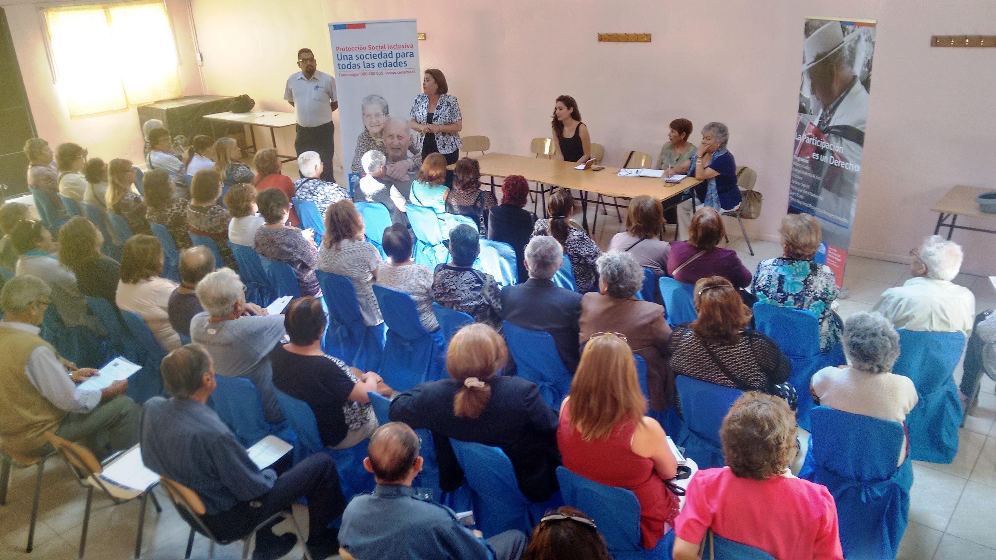 Photo of Adultos mayores sostienen diálogo participativo por programas de Senama