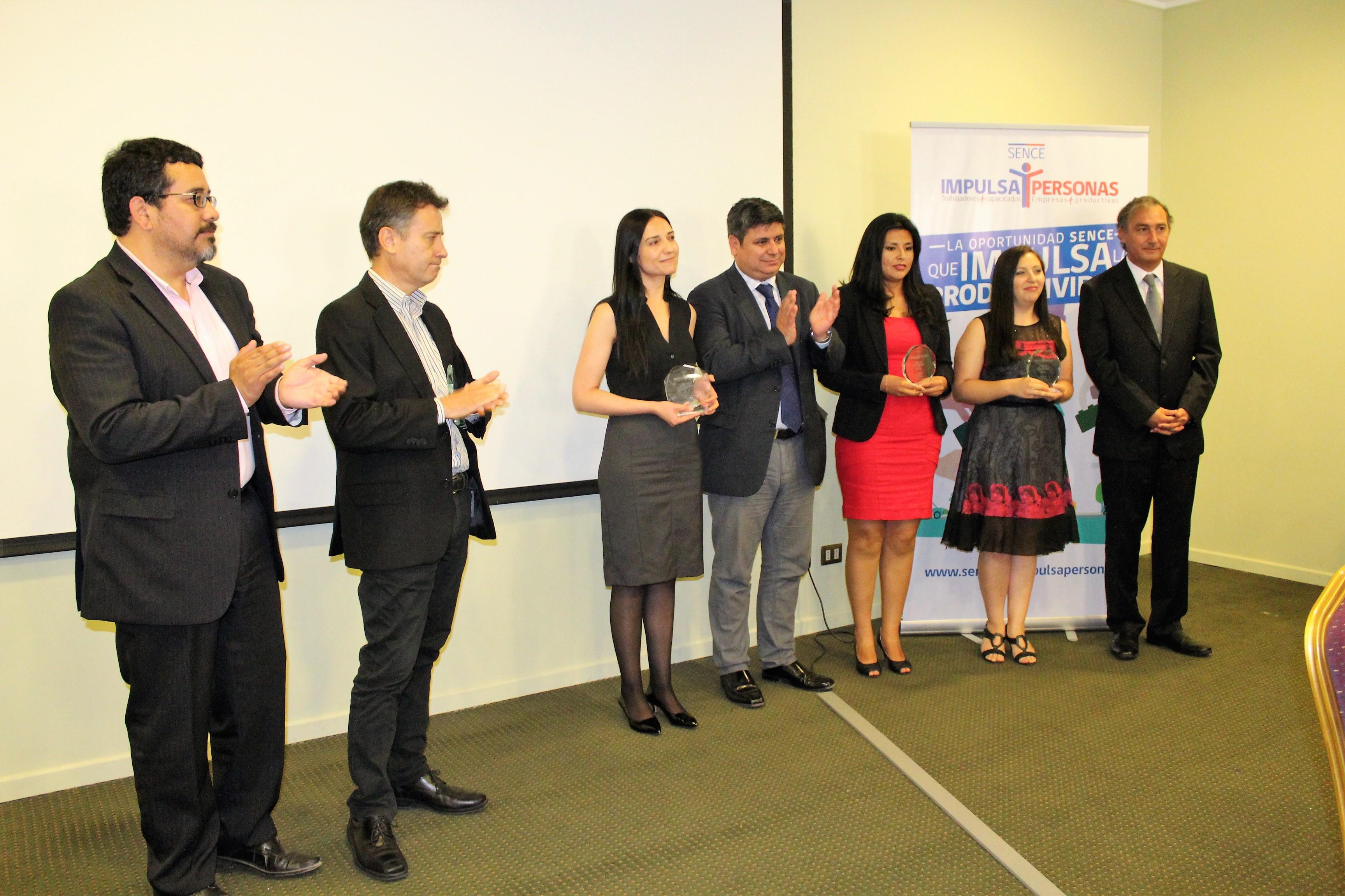 Photo of Premian a empresas y OMIL comprometidas con el fortalecimiento laboral de la región