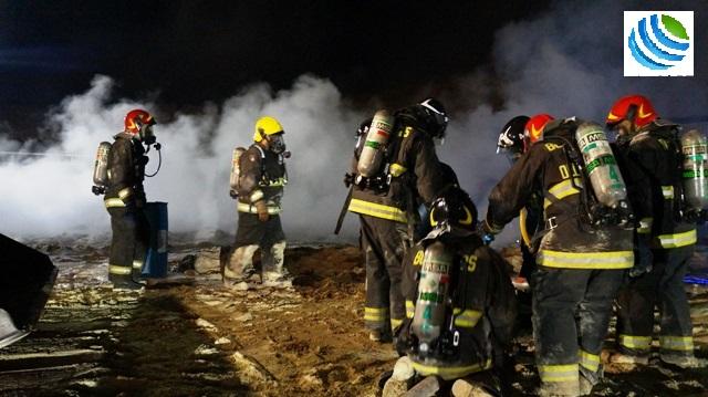 Photo of (Galería) Por seis horas Bomberos de toda la región lucharon contra el incendio de la azufrera