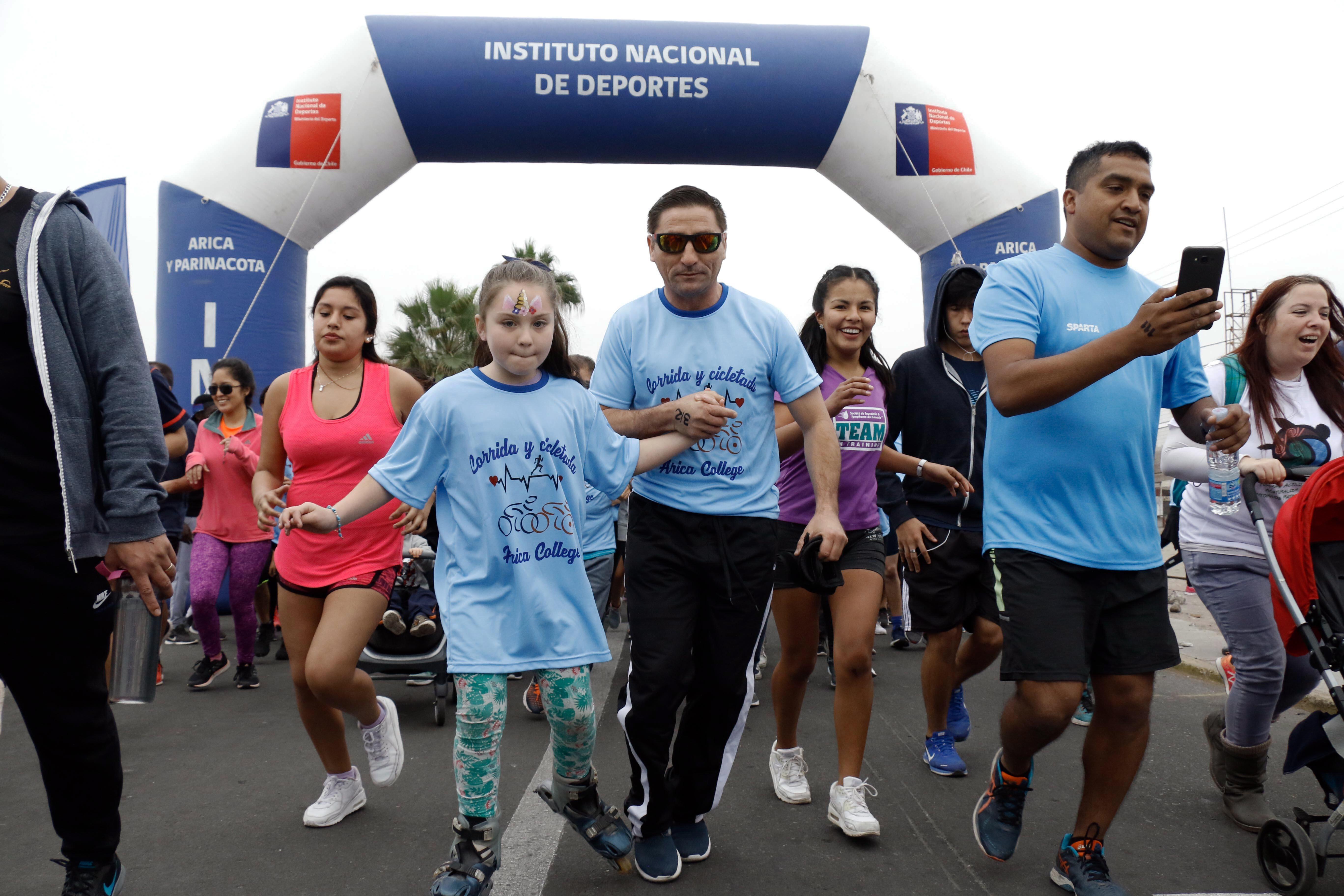 Photo of Cientos de personas participaron de la Corrida y Cicletada del Arica College